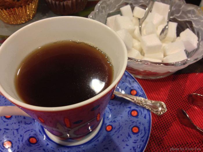 Sabah tea with geranium, not bad actually...