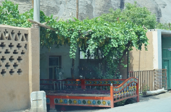 the local Uyghurs (維吾爾族人) sleep outside as it is cooler at night and there are beds like this outside or in the courtyard of every house