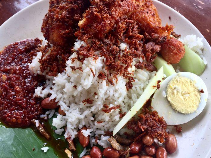 nasi lemak, sabahan living in kl, national dish of malaysia