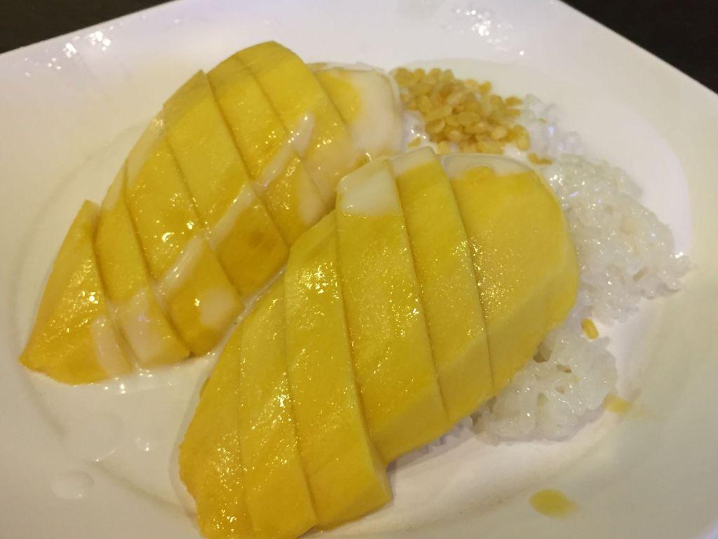 chiang mai food, mango sticky rice dessert