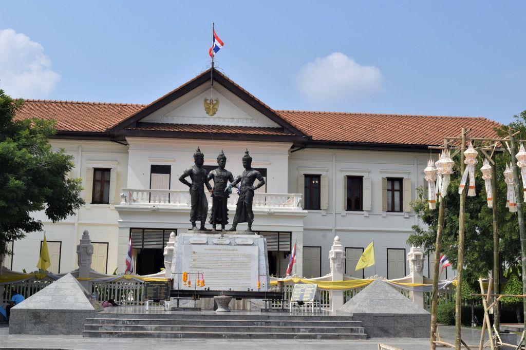 chiang mai 3 kings monument